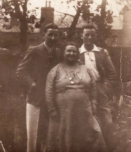 Albert Harbon, Minnie's brother, Grandmother Mary Ann Elizabeth Harbon nee Wilkes,