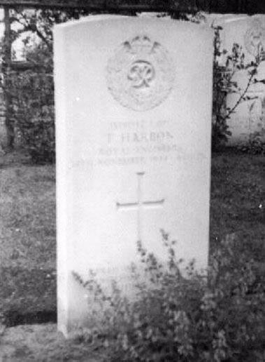 Died 14th November 1944 at Maas, Holland and he is buried in Mierlo Holland